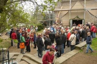 2011: Wiedereinzug in die Kirche nach Ende der Dachsanierung